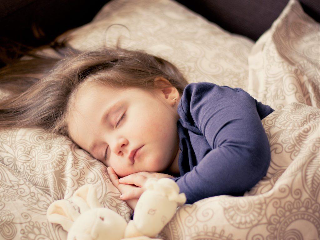 Skuteczne sposoby na katar u dziecka