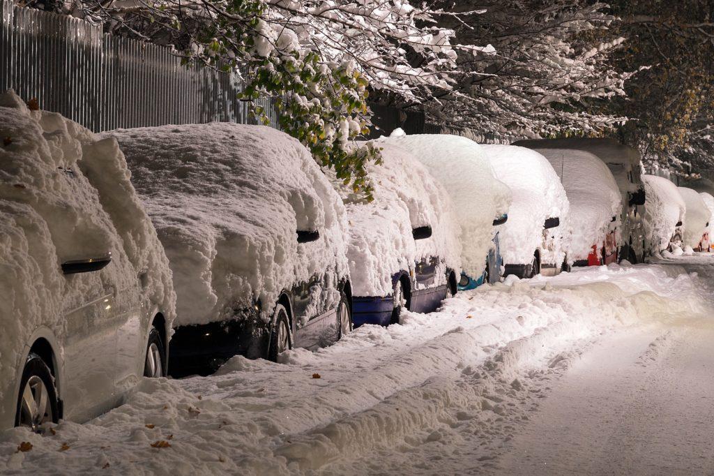 Zima na drogach – jak sobie z nią radzić | Pomoc Drogowa Bytom