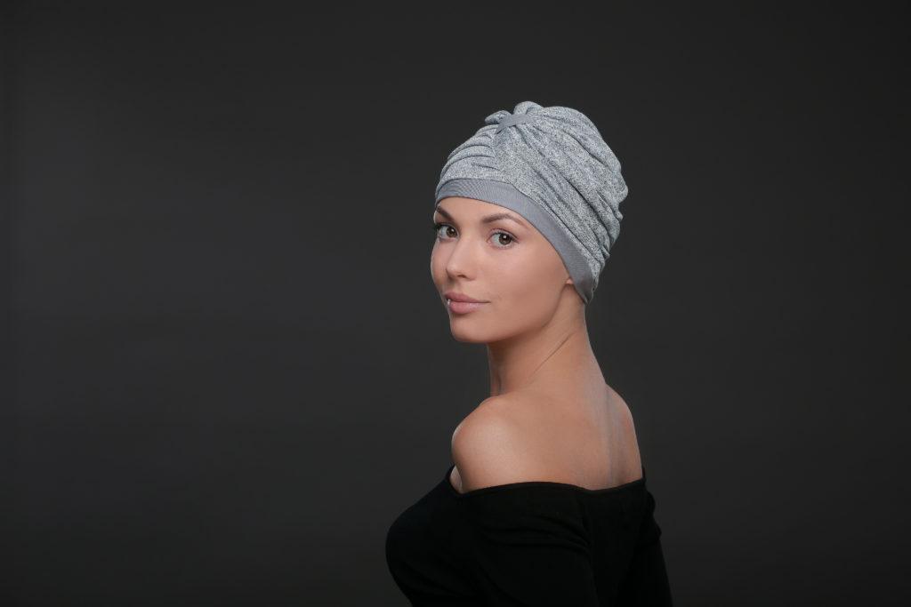 Poszukujesz pięknego nakrycia głowy? A może turban?