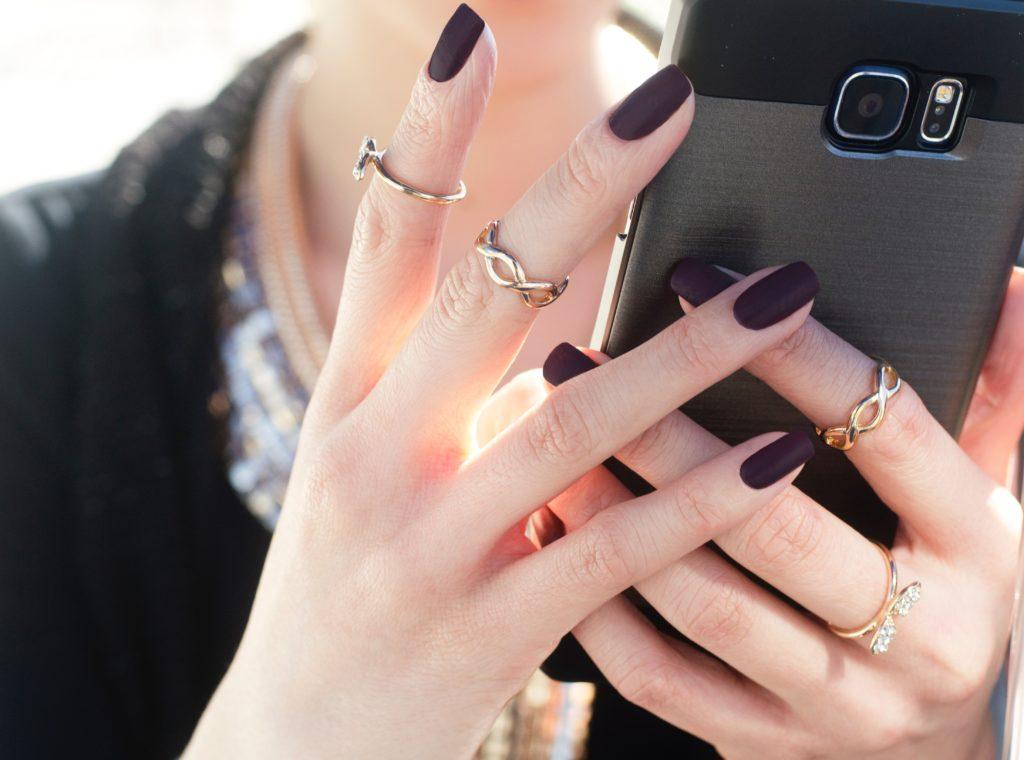 Knuckle rings, czyli inaczej pierścionki na pół palca