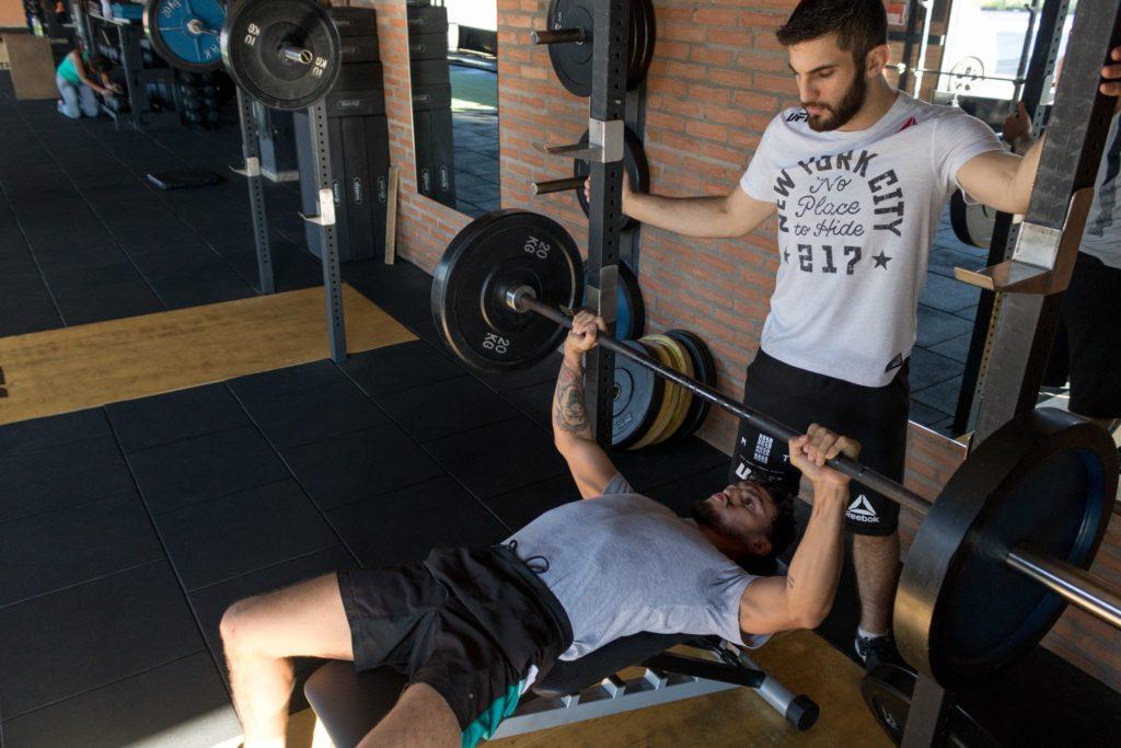 Instruktor siłowni kurs Wrocław – gdzie i za ile ukończysz takie szkolenie?
