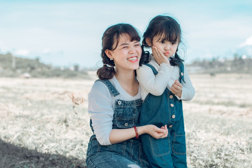 Sukienka mama i córka – stroje na wspólne wyjście