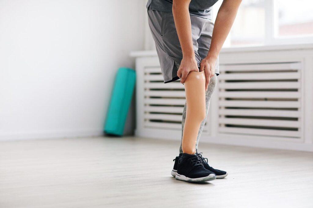 Jak dobrać protezę kończyny dolnej
