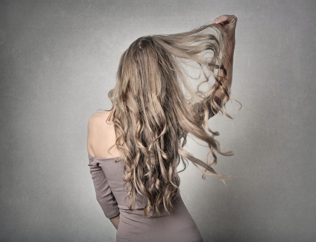 Szampony do włosów przedłużanych i zagęszczanych